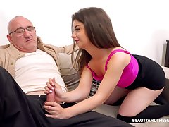 Senior man with a stiff weasel words fucks orgasmic pussy be useful to Mary Jane