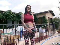 Amateur taped doing outdoor perversions