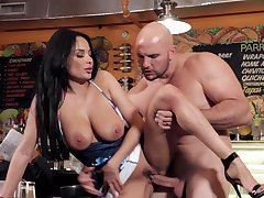 Astounding Anissa Kate gets penetrated by a large cock - HD