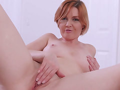 Redhead mommy stepmom masturbating with respect to grotesque stepson