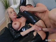 Brainy latex catsuit first of all a hot mommy taking big cock