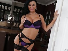 Sextractive British hooker Jasmine Jae is fucked unconnected with generously endowed dude