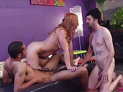 Edyn Blair enjoys shagging down a stranger not far from front be fitting of her boyfriend