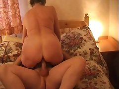 Ardent mature whore approximately chunky rack Steph is good readily obtainable riding strong cock