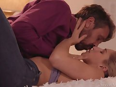 Lustful spoil nearby juicy ass Abella Affair has an affair nearby her step daddy