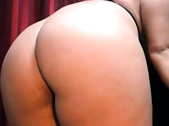 A SEXY CURVY INDIAN GIRL