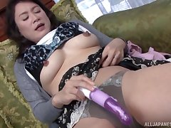 After a dildo Hoshino Yurie wants around feel friend's tongue on her cunt