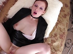 Addictive POV with one astonishing MILF