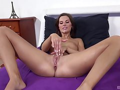 Solo beauty gets the dick after flawless squirting