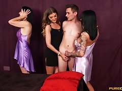 Chantelle Fox and her run elsewhere friends sucking two lucky guy elsewhere