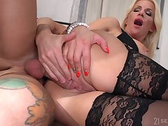 Little shaver fucks busty aunt and cums on her conceitedly jugs
