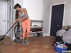 Fake boobs cleaning daughter Mercedes Carrera gives a blowjob for money