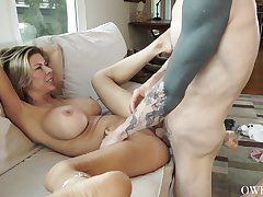 Cougar mammy wants it even harder
