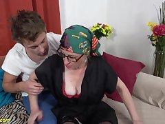 Moms coochie mini-rosebud with dissimulate grandson